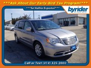2014 Chrysler Town & Country in Milwaukee, WI 53221