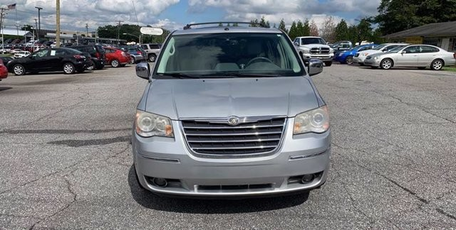 2008 Chrysler Town & Country in Hickory, NC 28602-5144